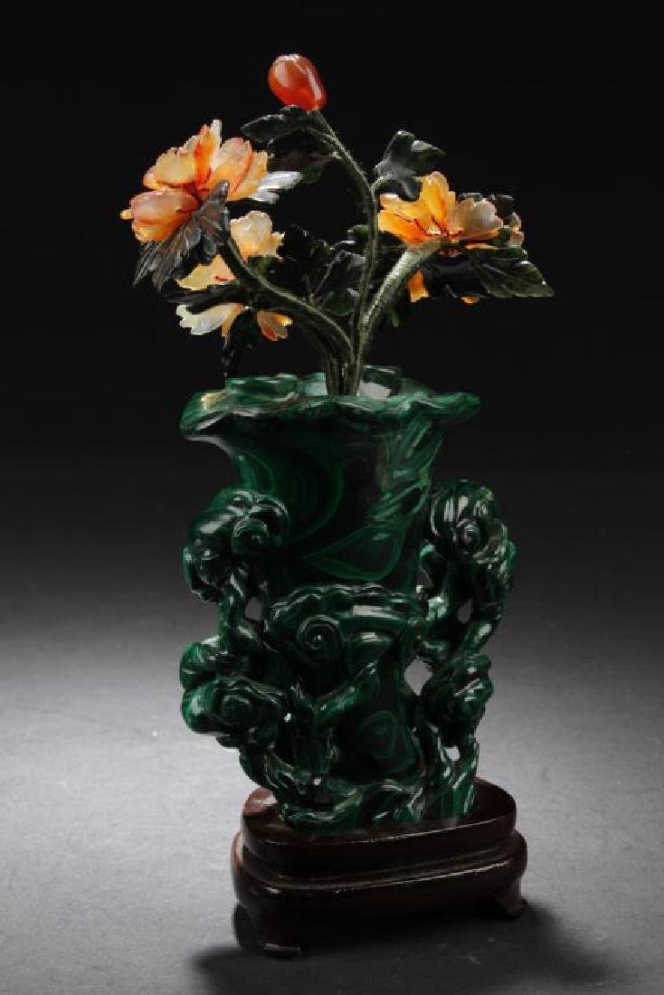 CHINESE CARVED MALACHITE VASE WITH AGATE FLOWER