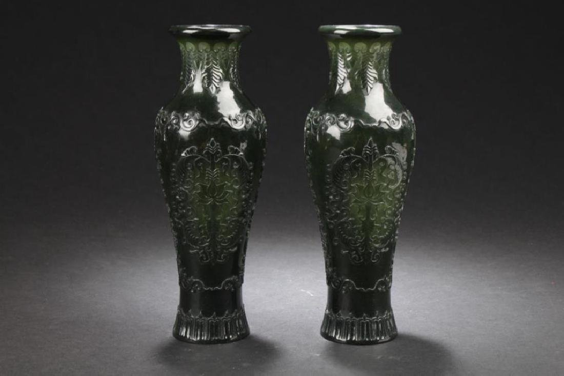 A PAIR OF ANTIQUE CHINESE SPINACH JADE VASES