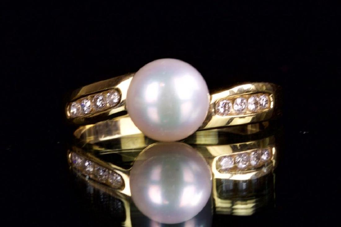 14K GOLD RING WITH PEARL AND DIAMONDS