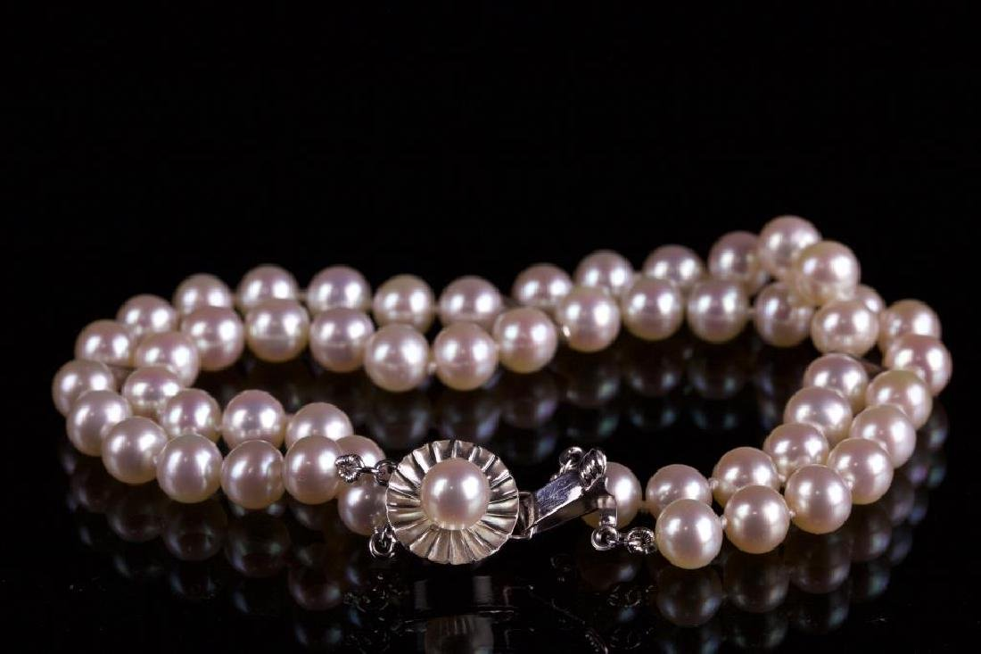 PEARL NECKLACE WITH 14K GOLD