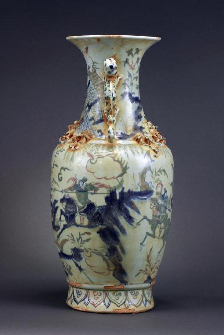 CHINESE BLUE AND WHITE DOUBLE DRAGON VASE - 3