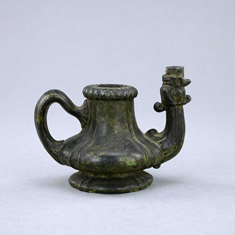 18TH CENTURY SMALL CHINESE BRONZED TEAPOT