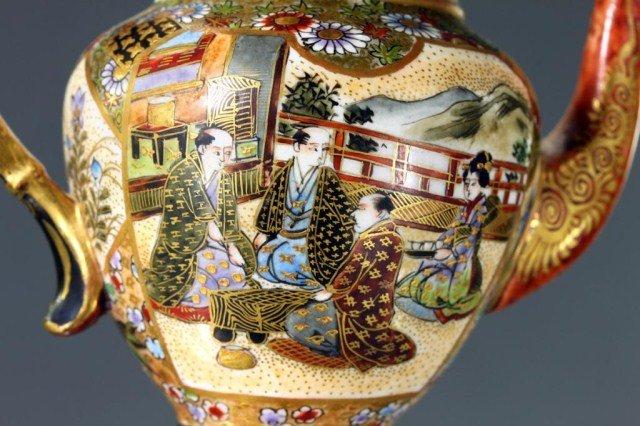 JAPANESE SATSUMA EARTHENWARE TEAPOT, MEIJI PERIOD - 4