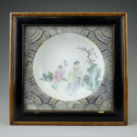 ANTIQUE CHINESE FAMILLE ROSE DISH IN FRAMED BOX