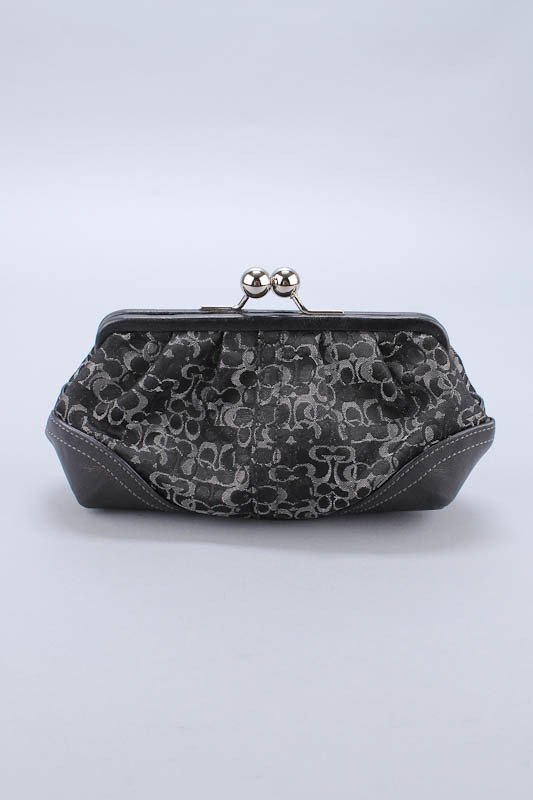 COACH MADISON SIGNATURE LIMITED EDITION CLUTCH