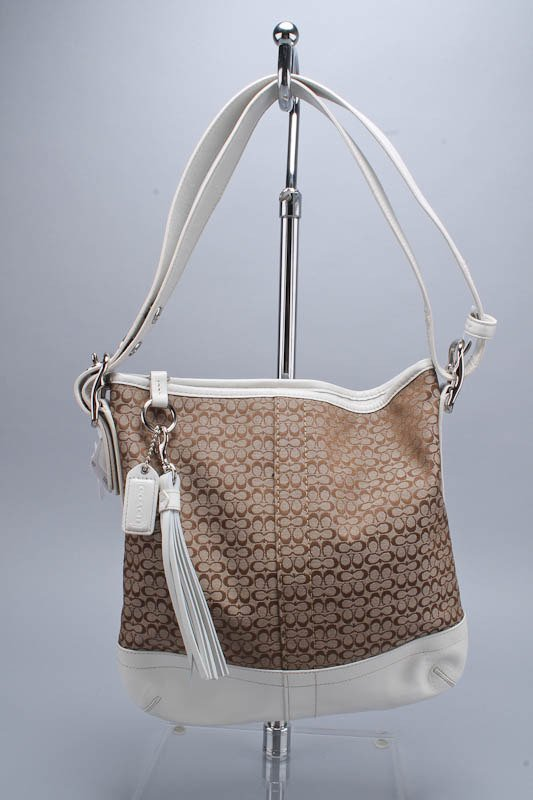 NEW COACH TAN & WHITE LEATHER BUCKET SHOULDER BAG
