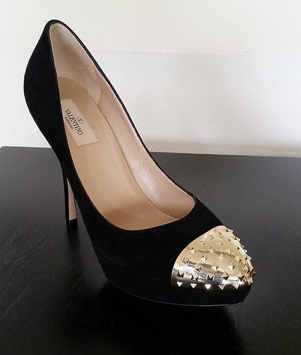 Brand New Valentino Rockstud Platform Heels
