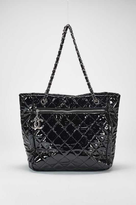 Chanel Black Large Patent Leather Shoulder Bag