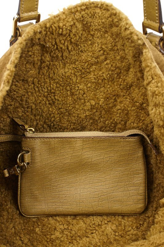 Gucci Shearling Logo Bag With Leather Handles - 4