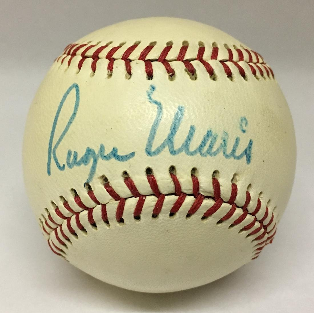 Single Signed Baseball. Roger Maris. JSA.