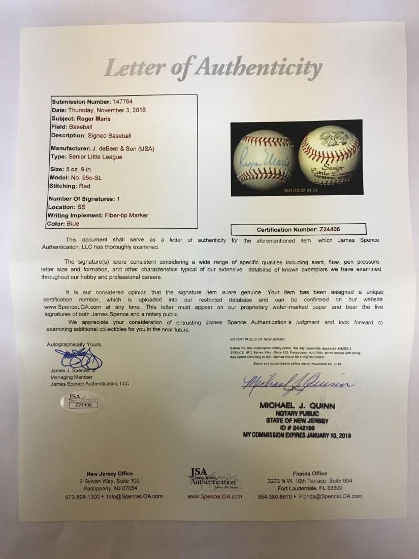 Single Signed Baseball. Roger Maris. JSA. - 3