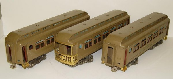 2210: LOT OF THREE LIONEL PASSENGER CARS