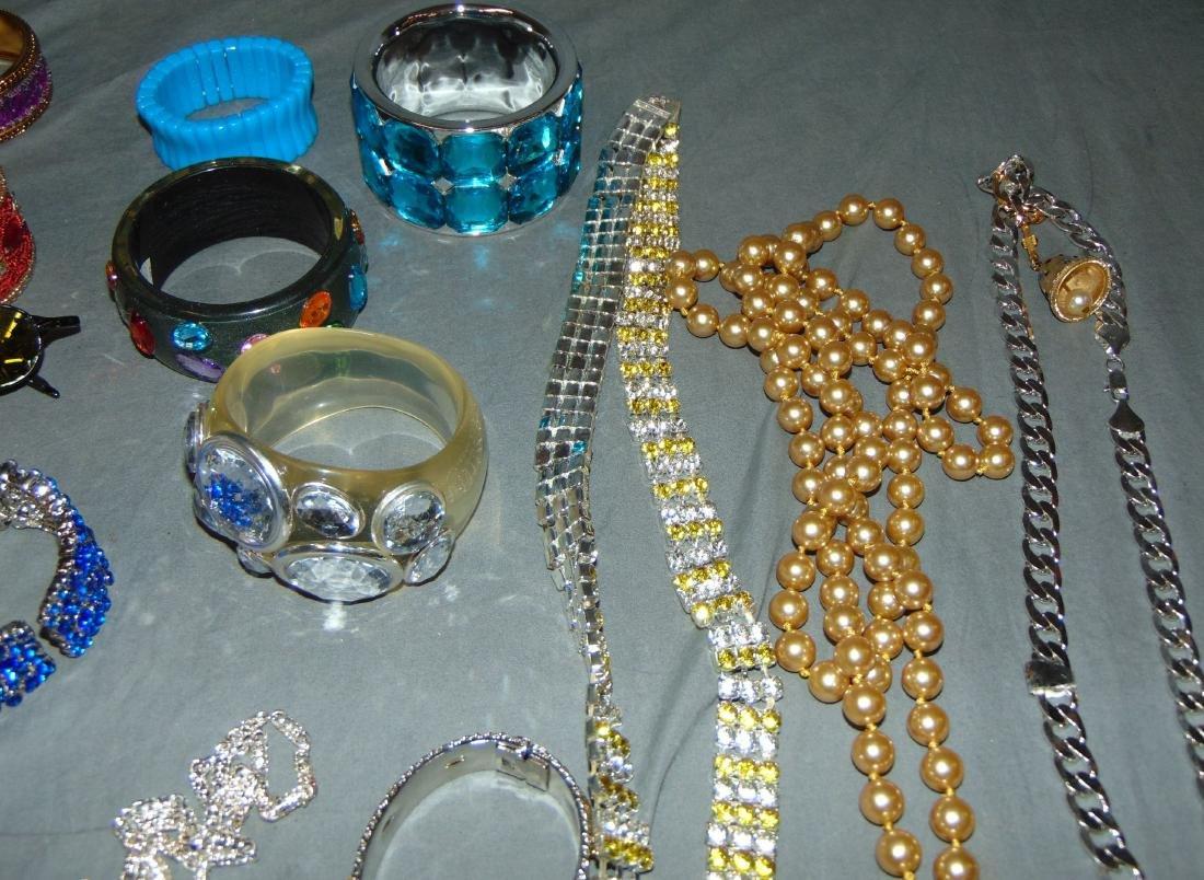 Costume Jewelry Estate Lot. - 4