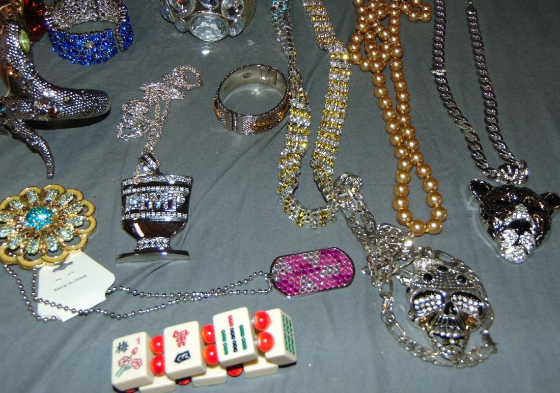 Costume Jewelry Estate Lot. - 5