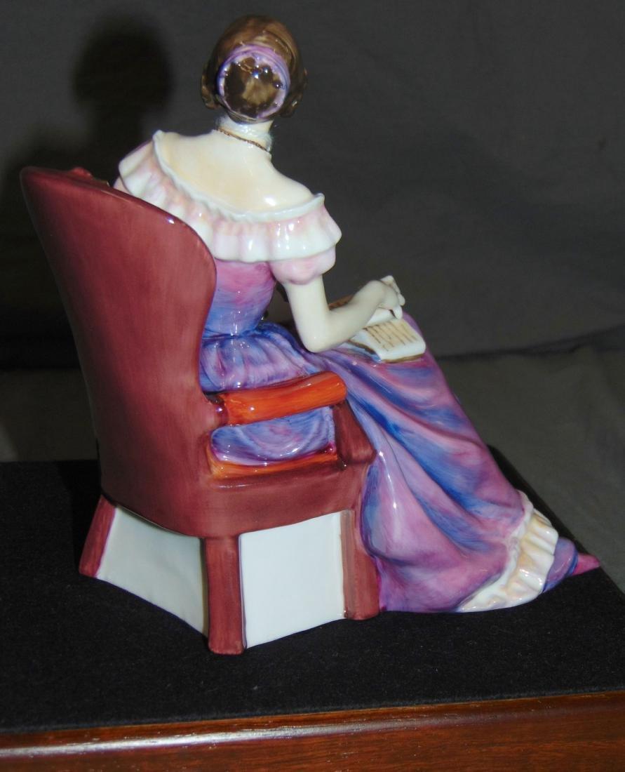 Royal Doulton Classics. Young Queen Victoria. - 2