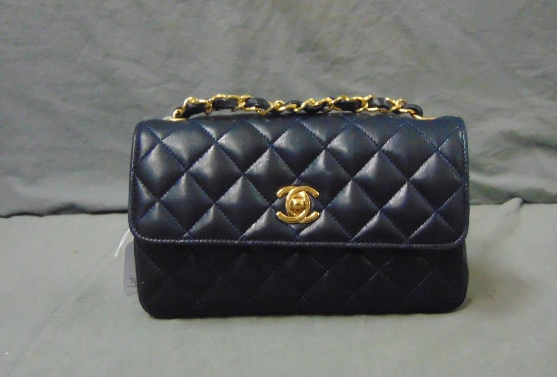 Chanel.Leather Tufted Handbag. - 2
