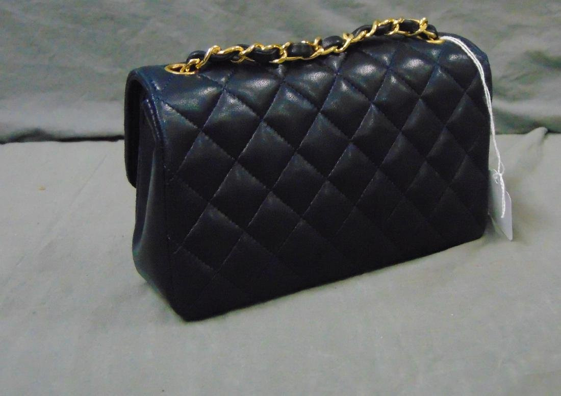 Chanel.Leather Tufted Handbag. - 3