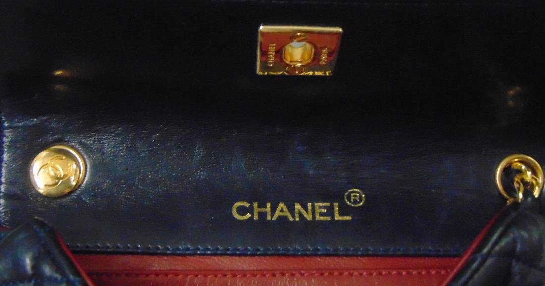 Chanel.Leather Tufted Handbag. - 4