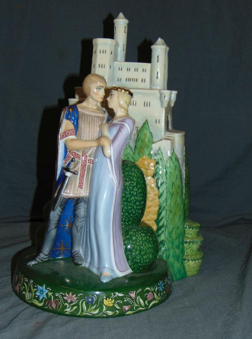 Royal Doulton Hn3112 Lancelot & Guinevere Figure