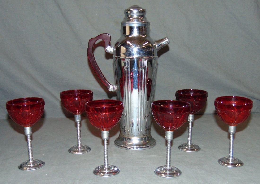 Early 20th Century American Art Deco Martini Set.