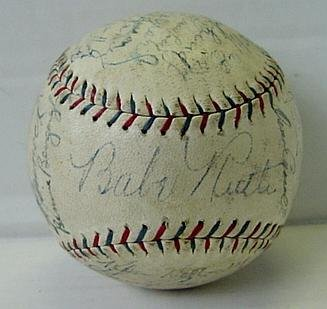 9: 1930'S NEW YORK YANKEES TEAM BALL