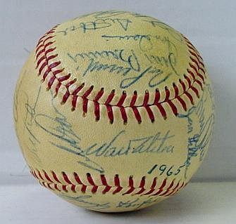 15: 1965 LOS ANGELES DODGERS TEAM BALL