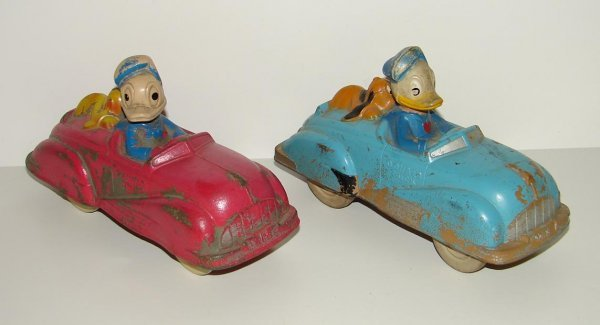 2007: LOT OF TWO SUN RUBBER DONALD DUCK CARS