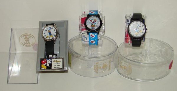 2015: COLLECTION OF THREE DONALD DUCK WRISTWATCHES