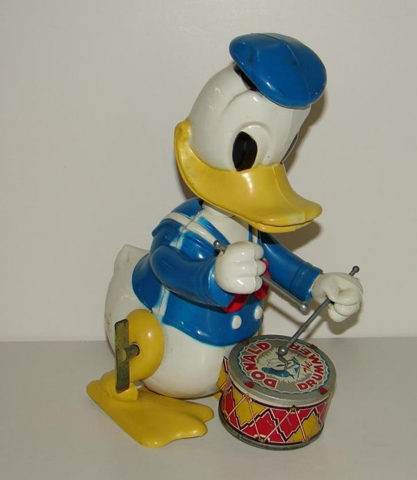 2022: VINTAGE MARX DONALD THE DRUMMER WIND-UP TOY
