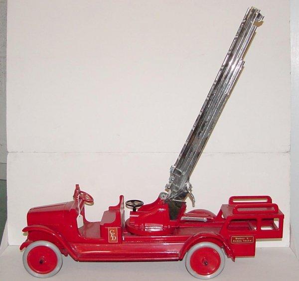 3005: BUDDY L 205B HYDRAULIC AERIAL FIRE TRUCK