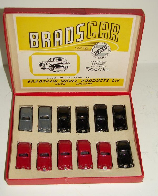 3155: BRADS CAR O GAUGE MODEL CARS