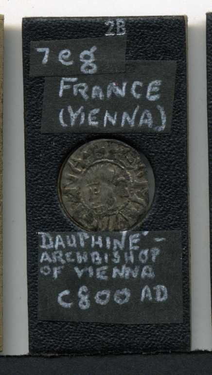 10: FRANCE. CIRCA 800 .MINTED IN VIENNA.
