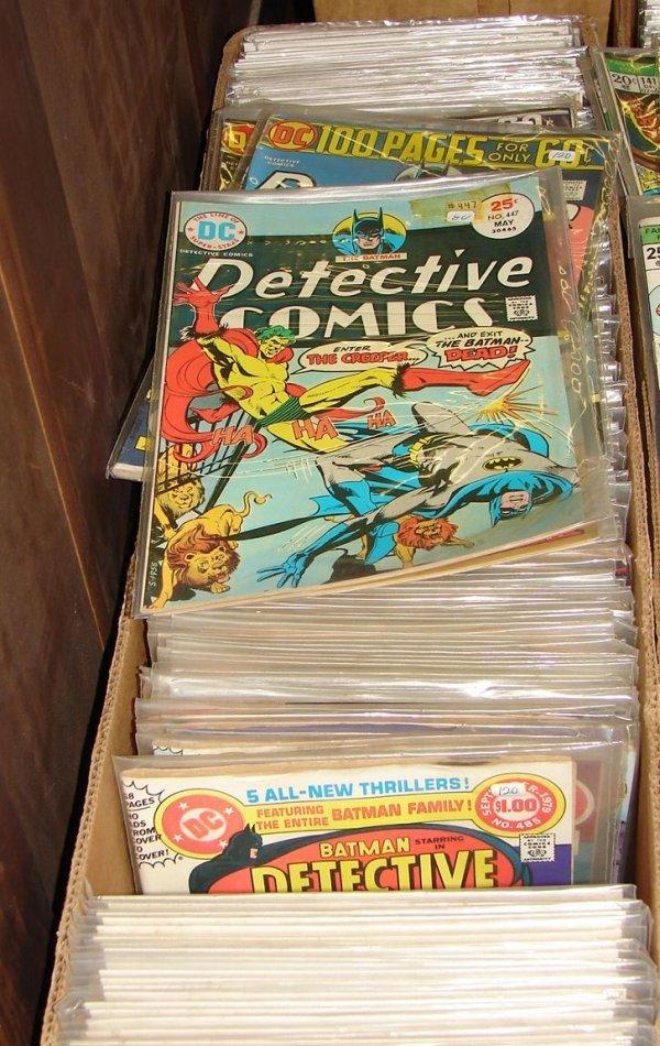 3306: LONG COMIC BOX - DETECTIVE COMICS