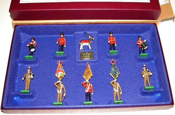 4022: BRITAINS SET #0384 ROYAL REG'T OF FUSILIERS - 2