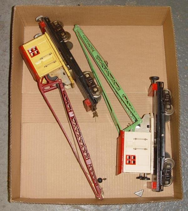 4347: LOT OF TWO LIONEL NO. 219 CRANE CARS