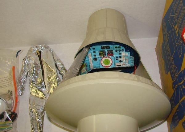 4100D: BOXED 1966 G.I. JOE SPACE CAPSULE & SPACESUIT - 3