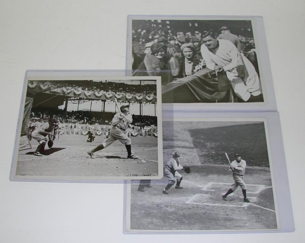 4009: BABE RUTH PHOTO LOT.