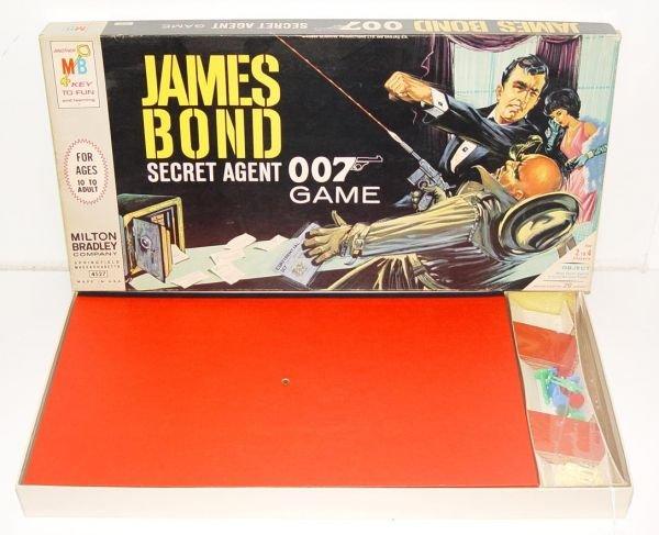 15C: 1964 JAMES BOND 007 BOARD GAME