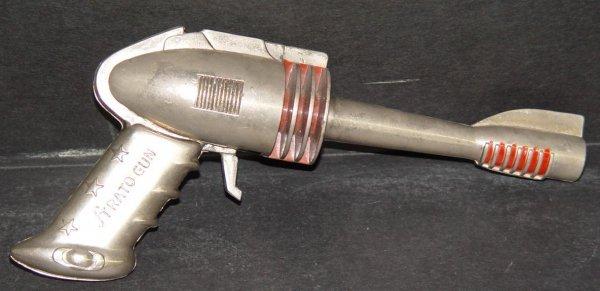 10: FUTURSTIC STRATO SPACE GUN CAP PISTOL