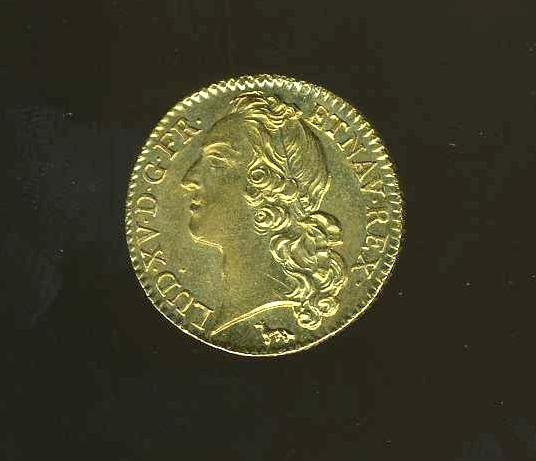1013: FRANCE. LOUIS XV GOLD  COIN.