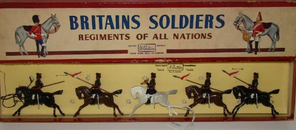 5: BRITAINS #66 BOXED.