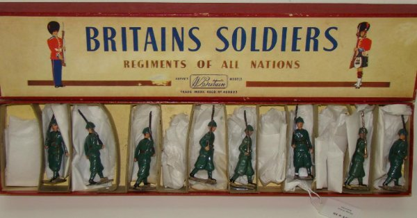 10: BRITAINS #1435 BOXED.