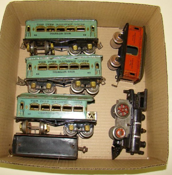 238: BOX LOT OF MISC. TRAINS