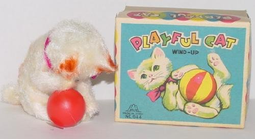 12: JAPANESE PLAYFUL CAT WIND UP