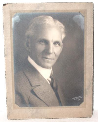 1011: HENRY FORD SIGNED 8 X 10 PHOTO