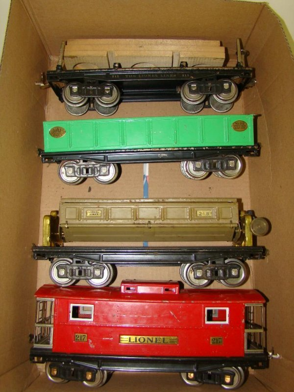 1016: 4 PIECE LIONEL STANDARD GAUGE LOT