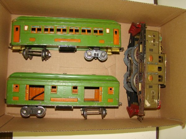 1017: 3 PIECE LIONEL STANDARD GAUGE LOT
