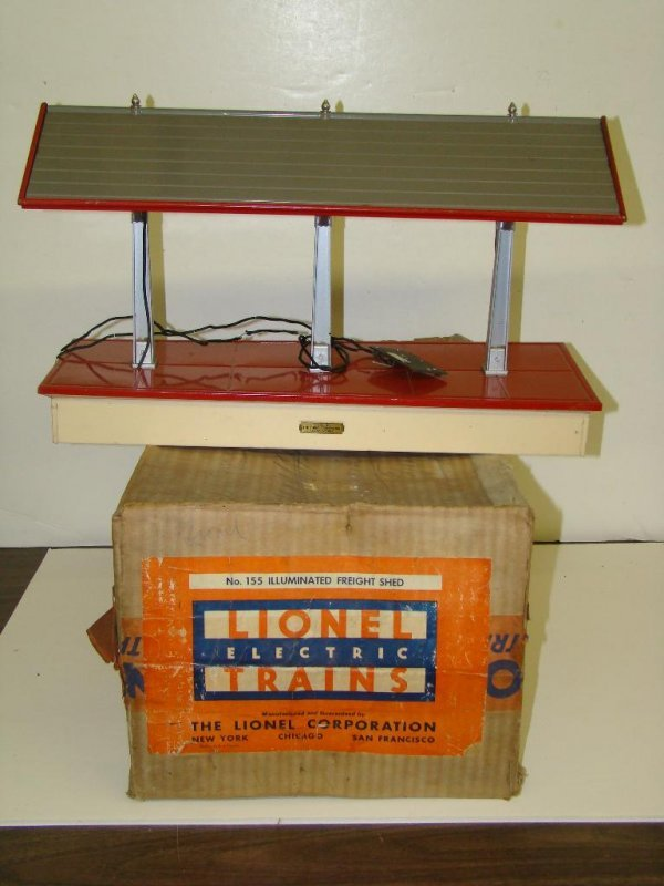 1019: BOXED LIONEL STD GAUGE #155 FREIGHT SHED
