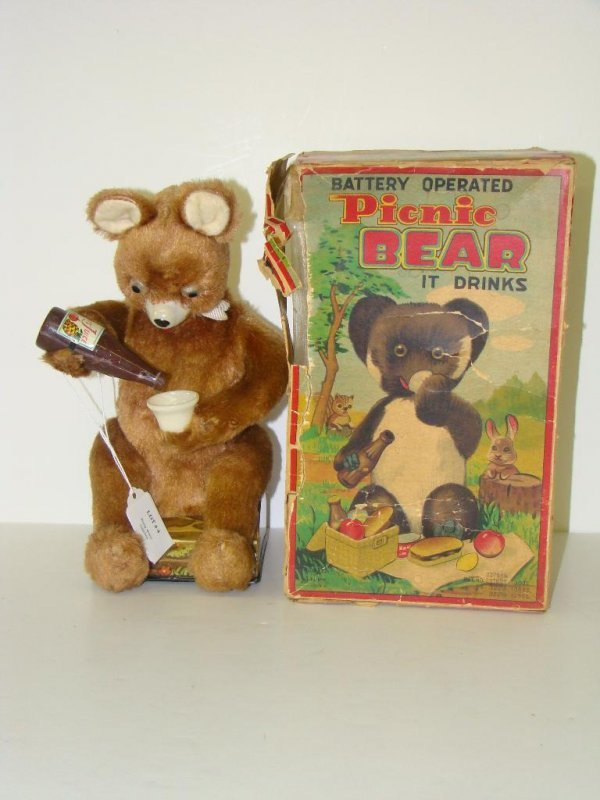 4: BOXED ALPS BATTERY OPERATED PICNIC BEAR