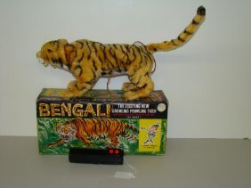 16: BOXED MARX BATTERY OPERATED BENGALI TIGER